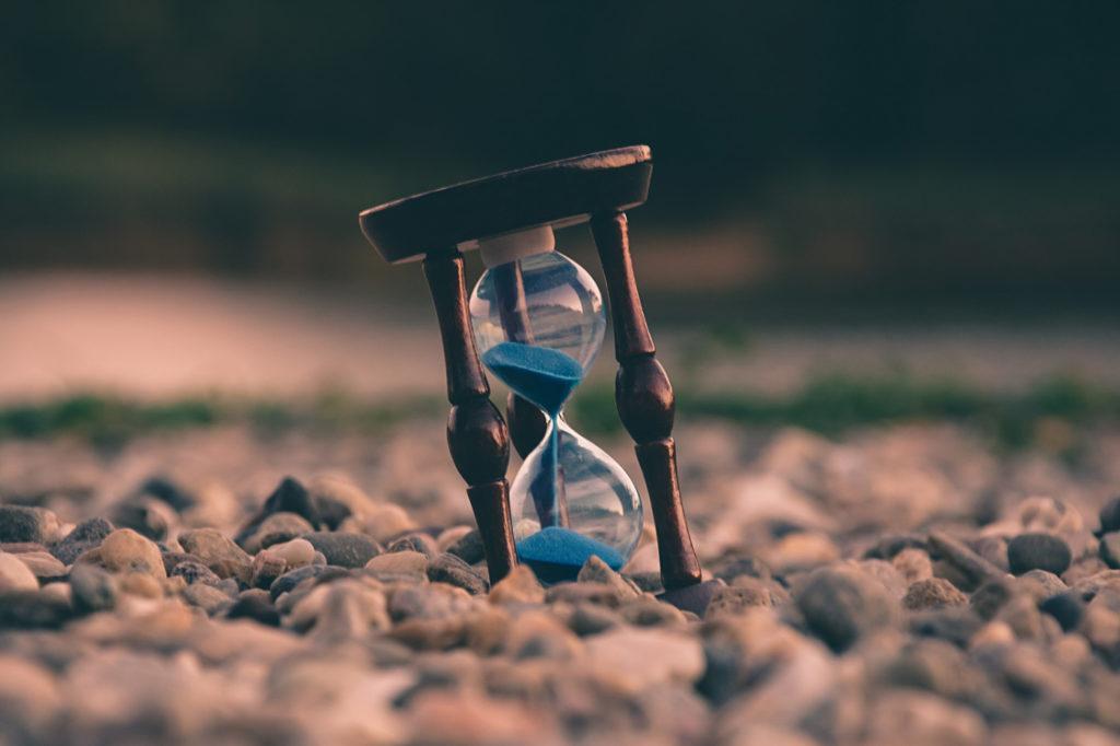 A half-empty hourglass.